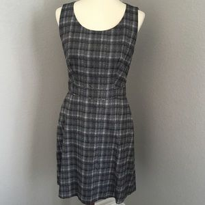Hugo Boss size 8 sleeveless dress